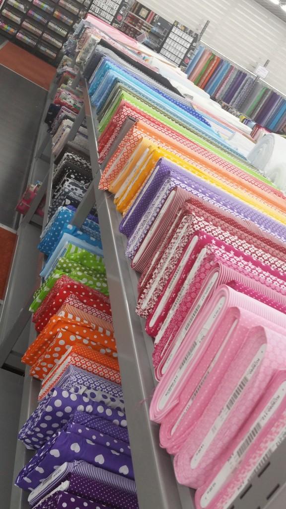 tissus colorés - Maison des Ursules - magasin de tissu